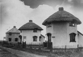 The bungalows in the 1930s from CanveyIsland.org