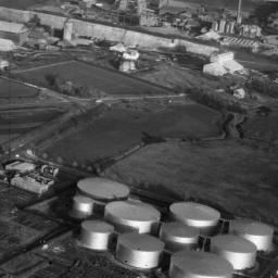 A photo of the industrial site at Thurrock, 1948. Courtesy of Britain From Above.